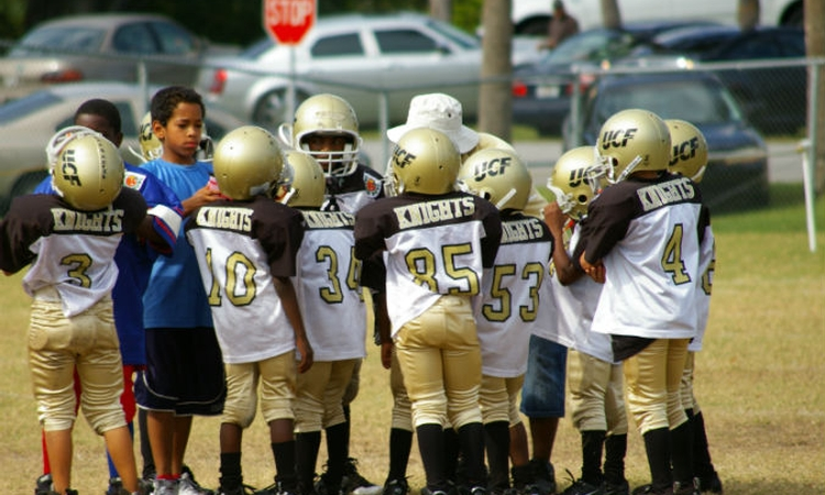 Poll: Majority say tackle football unsafe for young kids