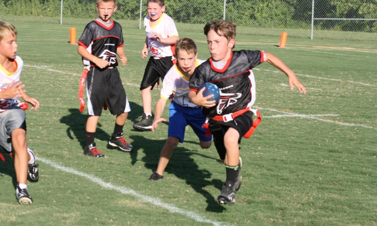 Youth flag football may not be safer than tackle football, study says